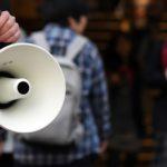 選挙では、街頭演説や集会に支持者組織から動員がかかることもある(写真と本文は関係ありません)